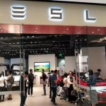 Tesla changed its mind to close all retail stores, but buyers will have to pay for it.