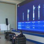 """Ο επικεφαλής του """"Roscosmos"""" μίλησε για τα χαρακτηριστικά του πύραυλου για να πετάξει στο φεγγάρι"""