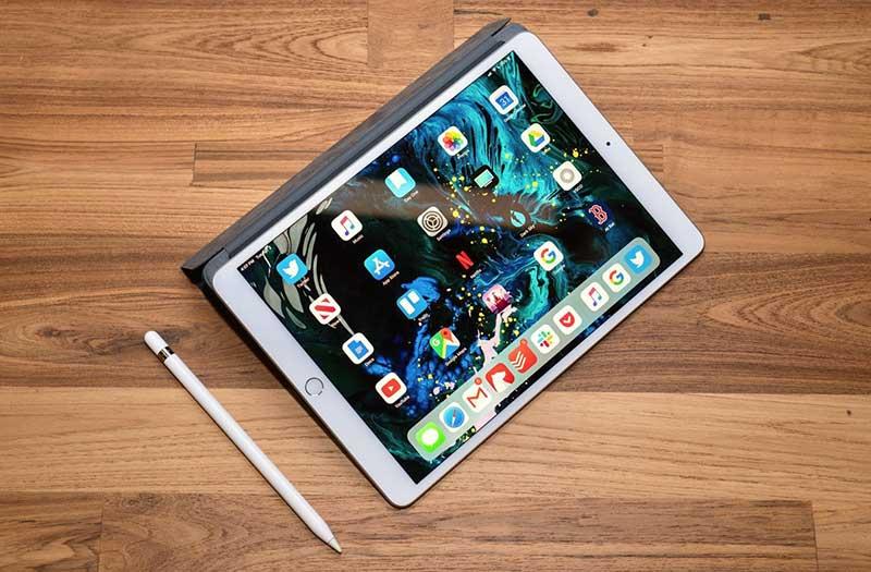spojite mikrofon na macbook pro