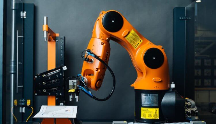 Robots have learned to recognize objects with a glance and a touch.