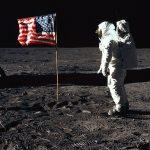 """Оригінальні відеозапису висадки """"Аполлона-11» на Місяць було продано майже за 2 млн доларів"""