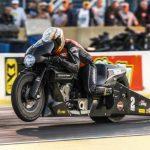 # video | Er det muligt at overleve efter at have faldet fra en motorcykel med en hastighed på 346 km / t?