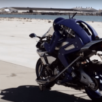 Yamaha robot competes with live motorcycle racers