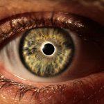 هل يمكن للعينين تغيير لونها ولماذا يحدث هذا؟