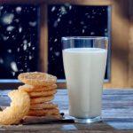 Добре ли е да се пие мляко преди лягане?